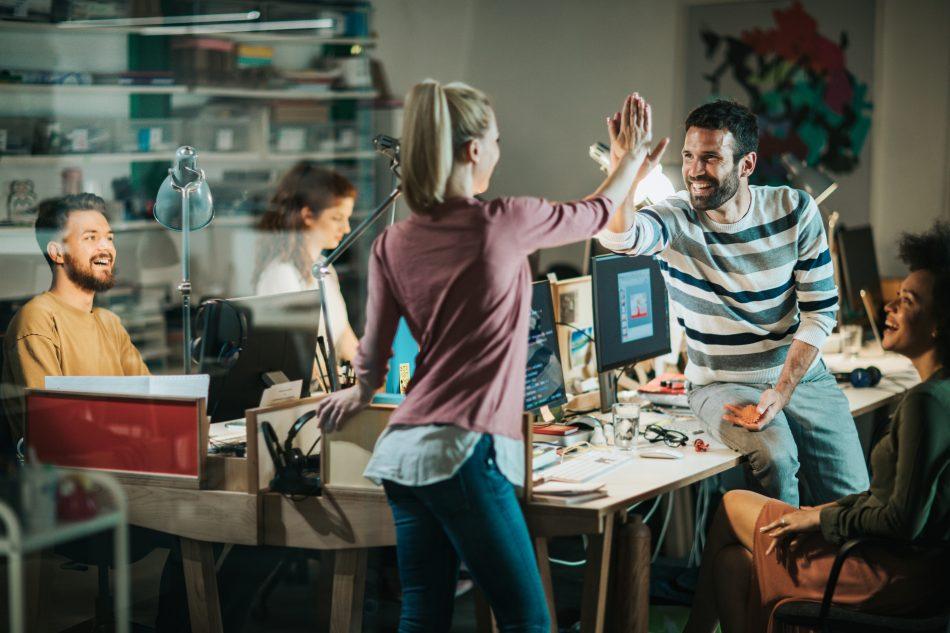 reconversion professionnelle informatique secteur recrute recrutement métier emploi employeur salarié formation domaine création ingénieur développeur web analyste bilan compétence orientaction