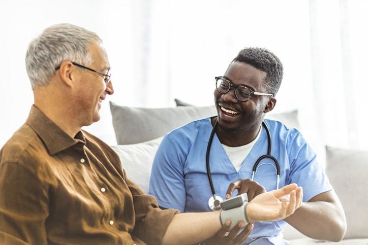Reconversion professionnelle : êtes-vous fait pour le métier d'infirmier ?