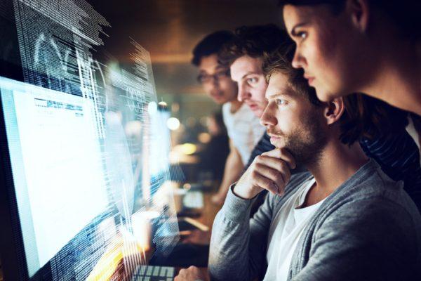 reconversion professionnelle, métier, informatique, data analyst, developpeur web , compétences, profil, formation, Orient'Action