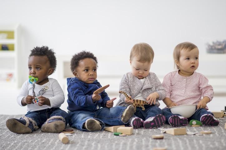 Reconversion professionnelle : feriez-vous une bonne assistante maternelle ?